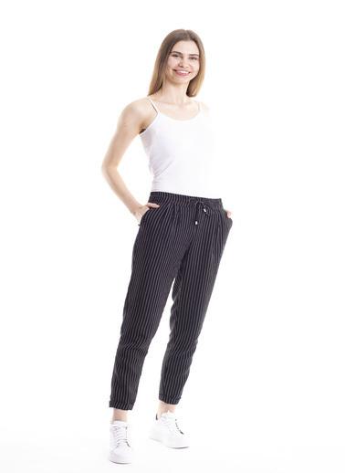 Stamina Bağcıklı Çizgili Pantolon Siyah